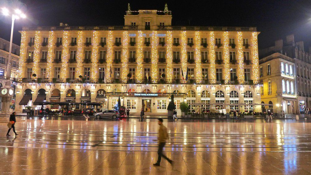 Illuminations de Noël 2015 : le Grand Hôtel de Bordeaux...