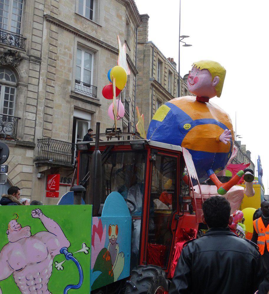 Le carnaval de Bordeaux 2016 : les chars...