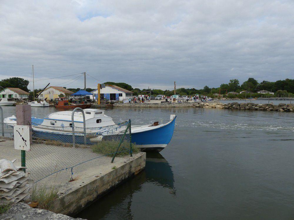 Le port ostréicole à Arès et les peintres...
