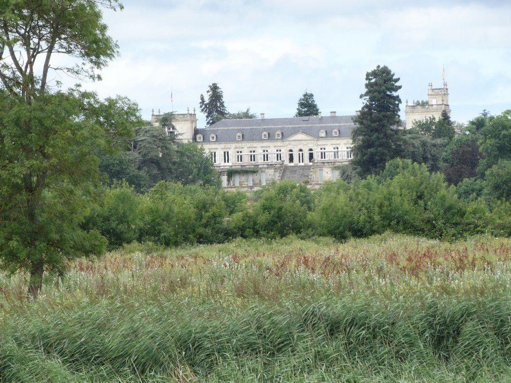 Les châteaux du Médoc...