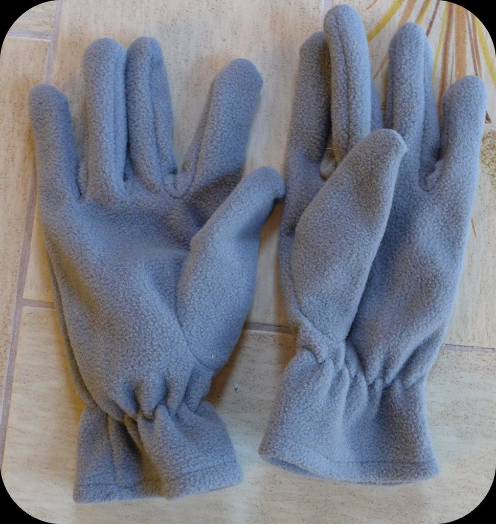 La belle histoire de mes gants perdus : rapatriés du Canada...