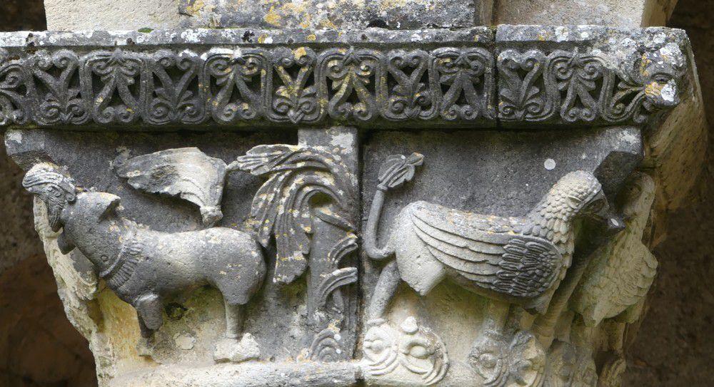 Les chapiteaux de l'abbaye de La Sauve Majeure...