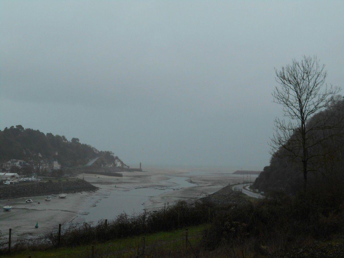Une journée d'hiver près de la mer
