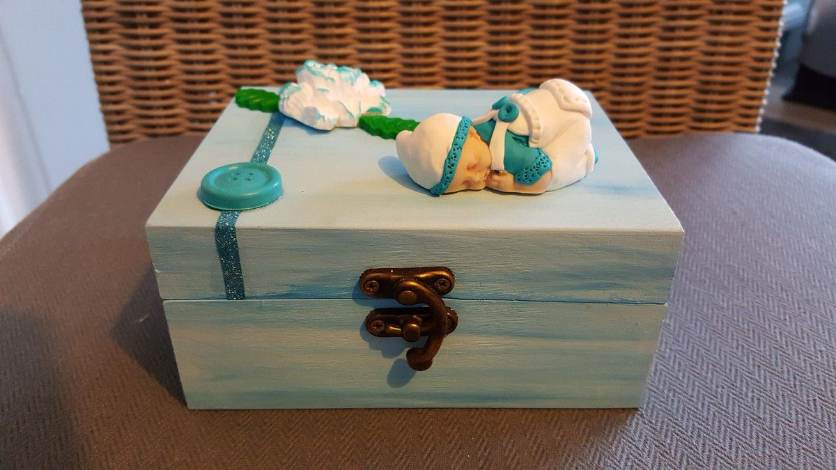 Boîte bébé salopette bleu