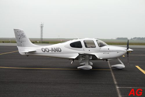 Le Cirrus SR-22 OO-AND.