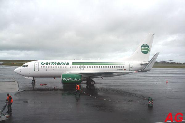Le Boeing 737 D-AGEL de la compagnie Germania. Premier gros charter de l'année.