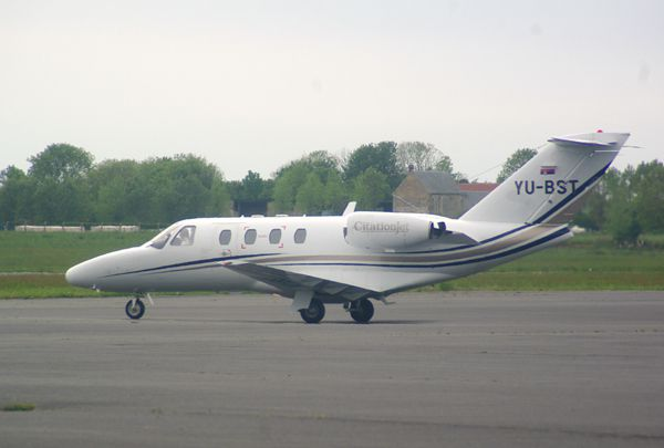 Le Cessna Citation CJ1 YU-BST du registre Serbe.