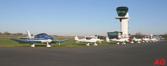 L'aéroport d'Octeville a été envahi par des ULM Dyn'aéro MCR-01:
