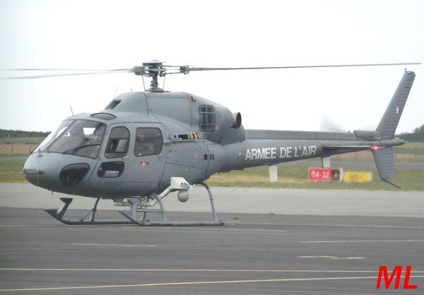 Armée de l'air toujours, avec l'Aérospatiale AS-555 Fennec matricule WG.