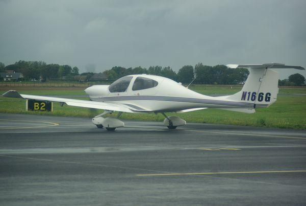 Le Diamond DA-40 N166G.