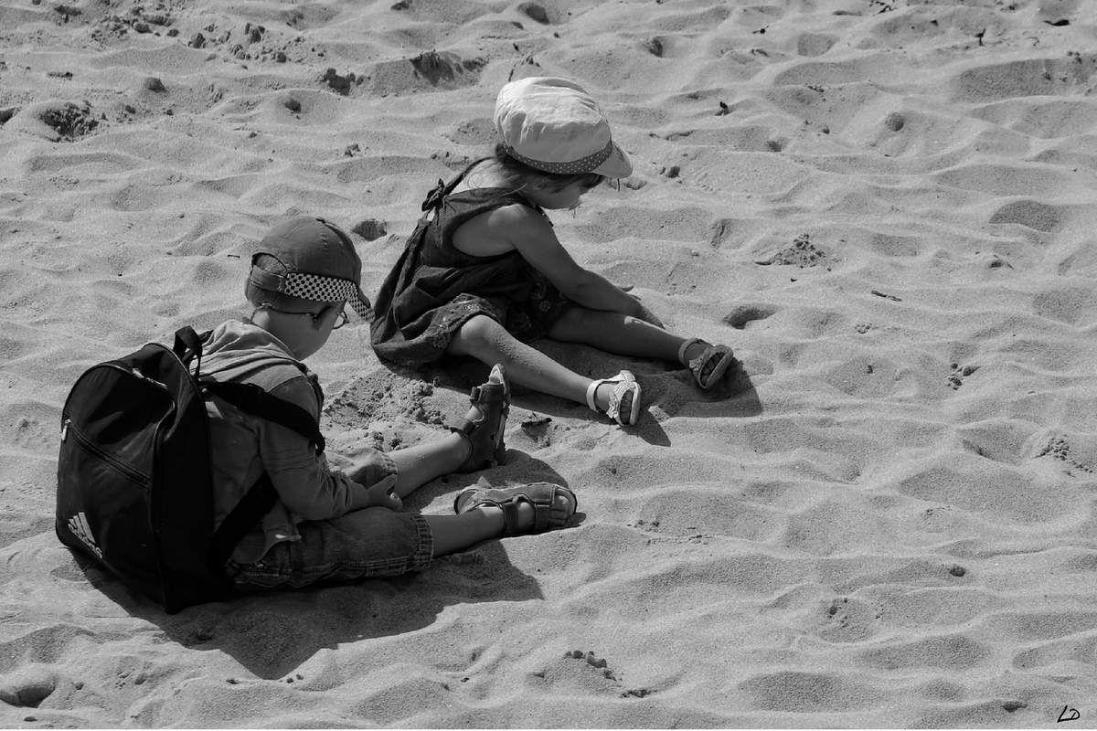 L'enfant et le sable !