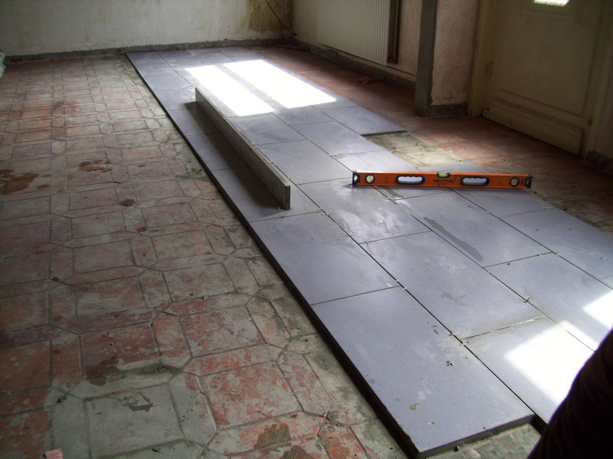 Pose d 39 un carrelage travaux autodidacte for Poser du carrelage sur un ancien carrelage