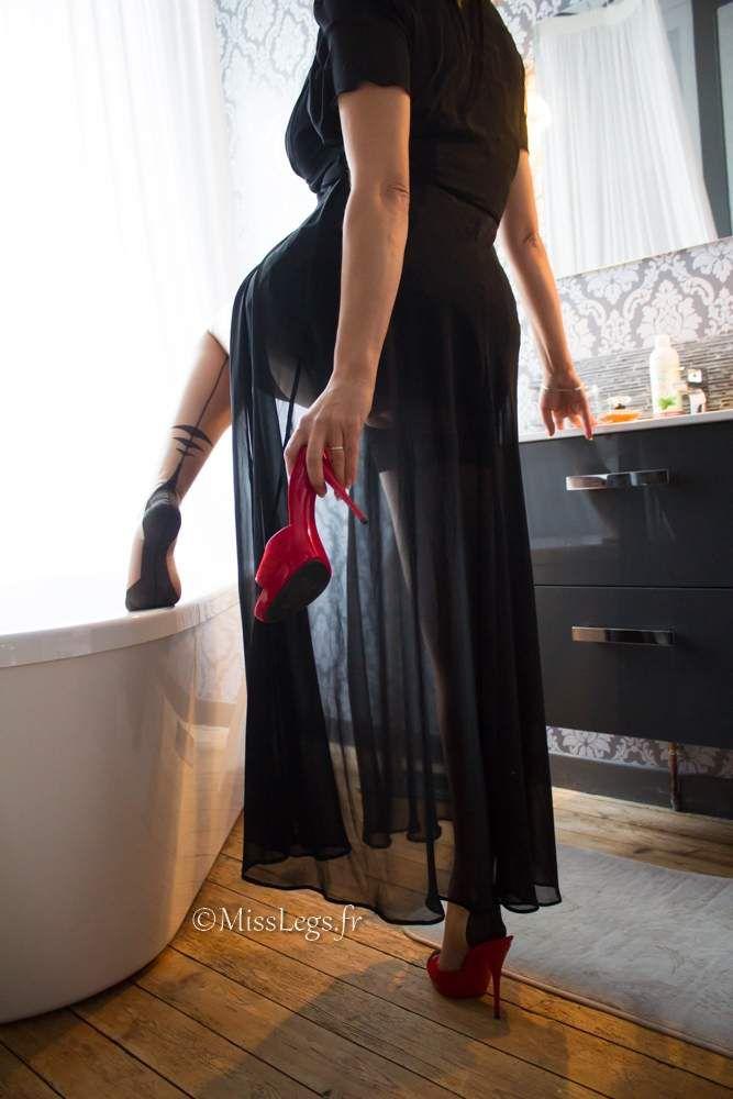 Isabelle Cervin (basdesoie.over-blog.com) - MissLegs - Bas nylon FF Cervin