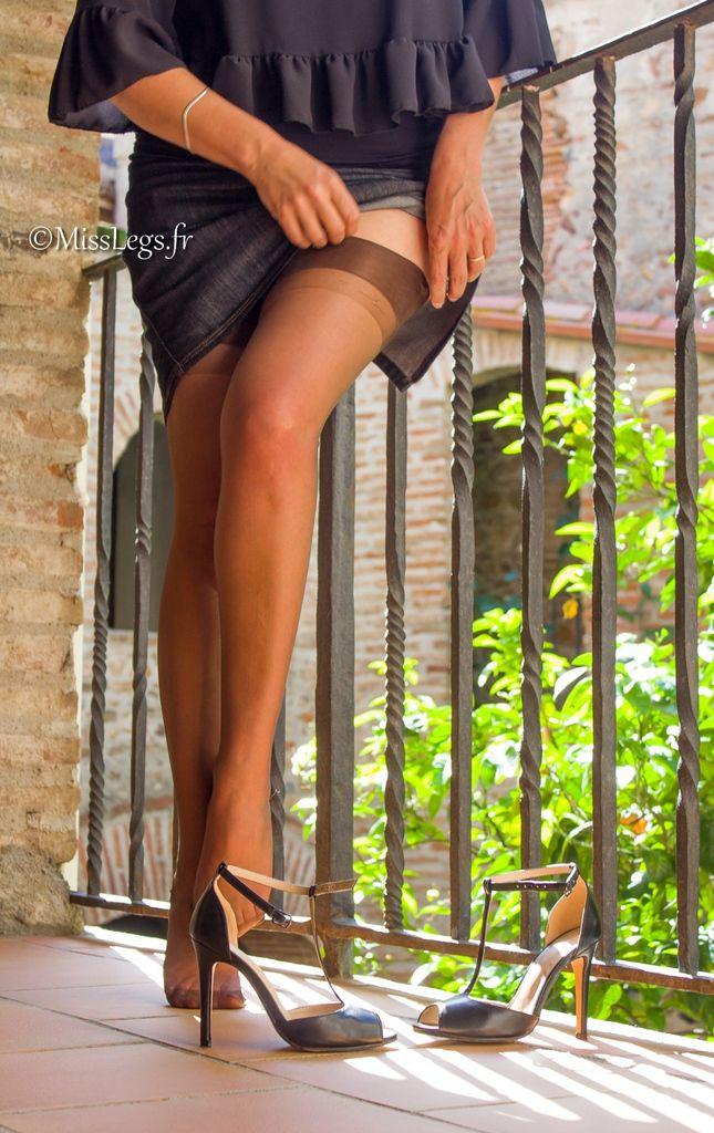 Bas Capri marron foncé (Cervin) - Sandales Prima Donna - Jupe Comptoir des Cotonniers