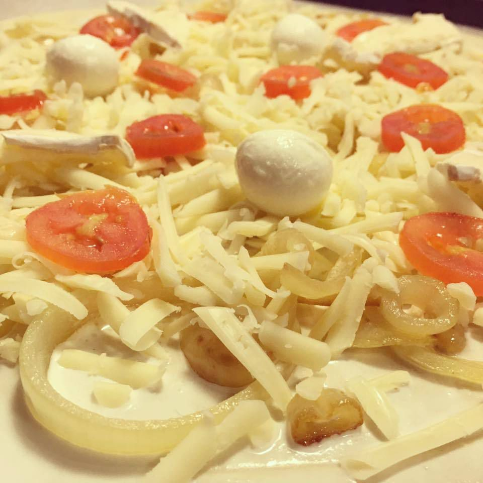 Flammekueuche (pizza Alsacienne)