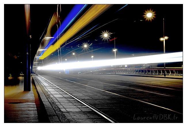 passage du métro sur le pont Jeanne d'Arc