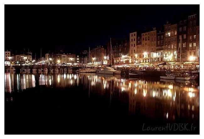 Le Vieux Bassin d'Honfleur la nuit