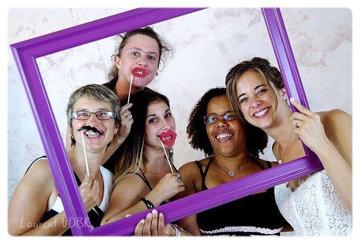 Mariage : photobooth ou studio mobile avec cadre et accessoires