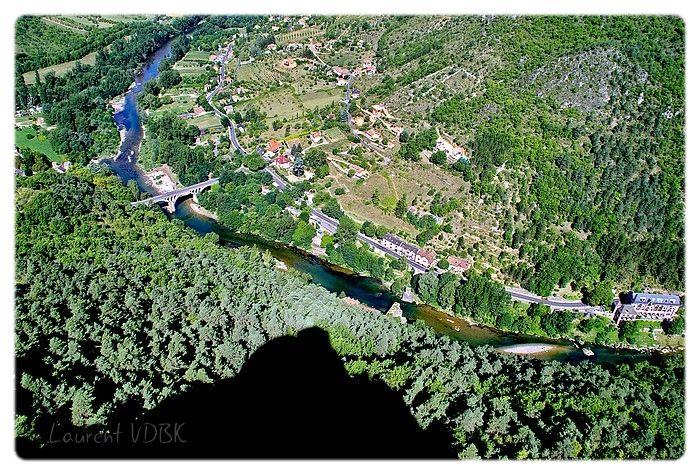 Vue du sommet du rocher de Capluc : le pont du Rozier à la Muse et le Tarn