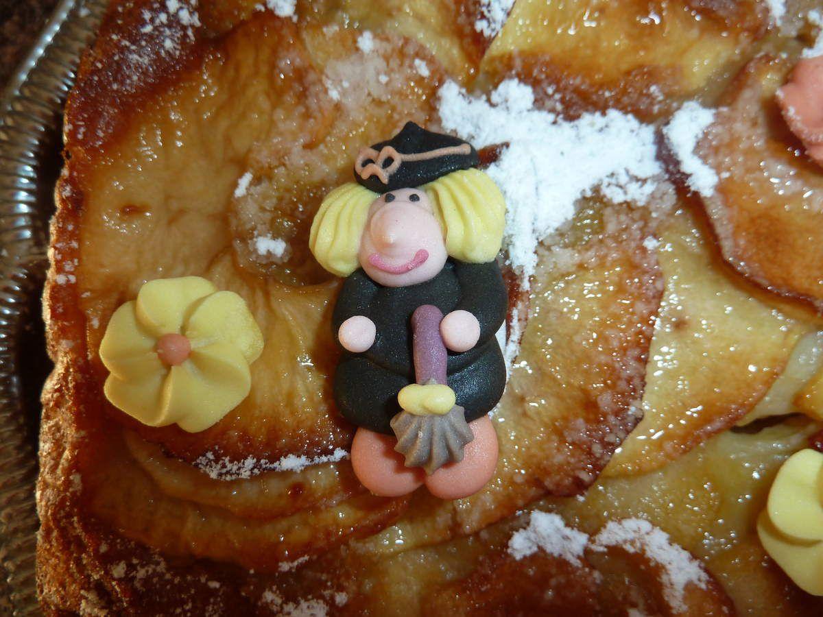 gâteau aux pommes très très moelleux avec sa déco