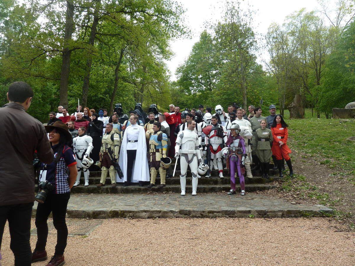 les acteurs qui viennent de faire les photos avec les participants je suis arriver un peu après