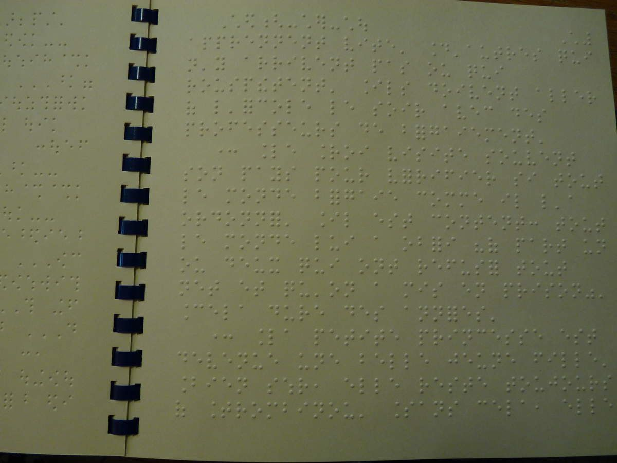 Pages en braille.