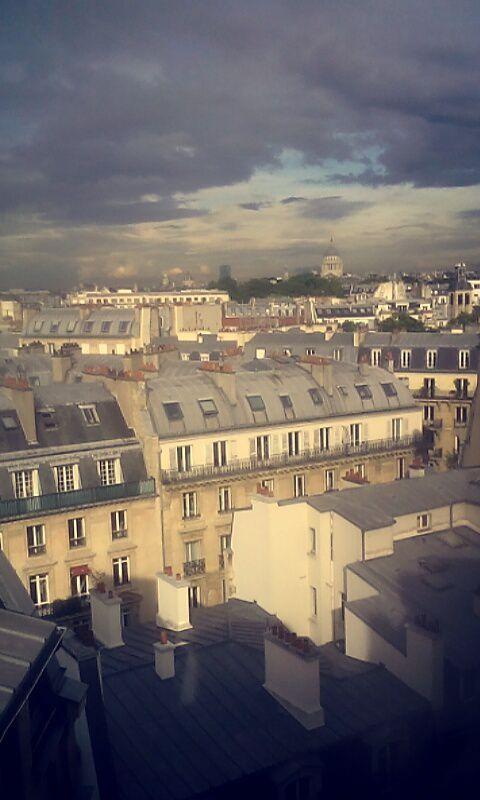 Les Toits de Paris ...