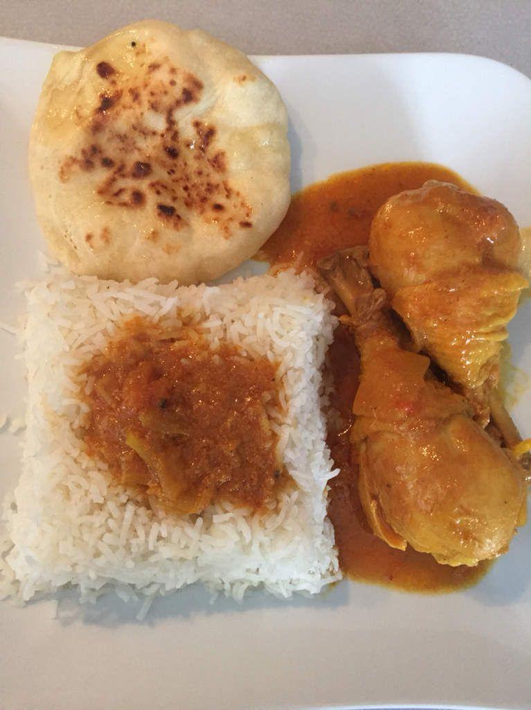 Poulet tikka avec riz et naan fromage