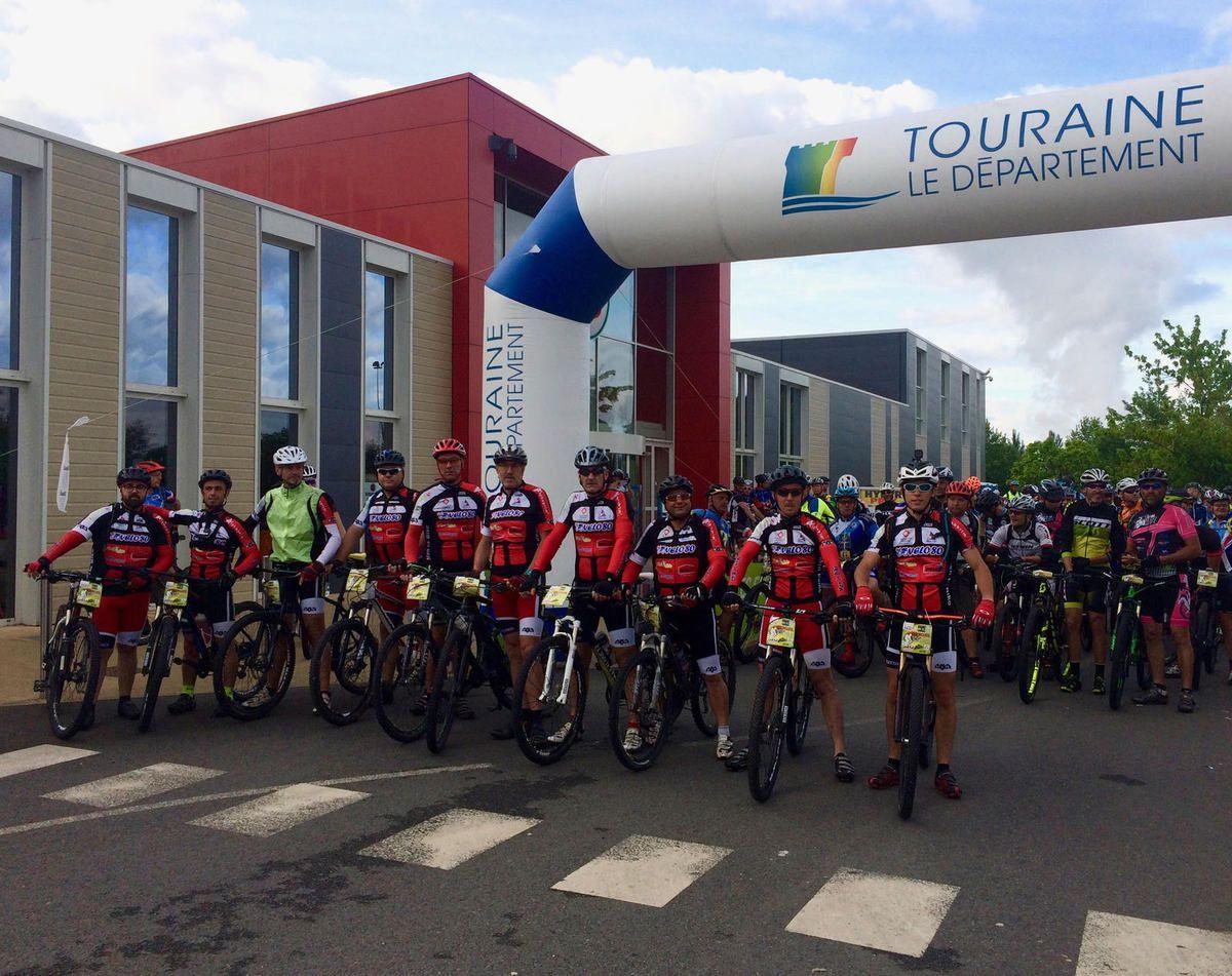 Les MIB au départ de Bourgueil pour la rando du dimanche 04 juin