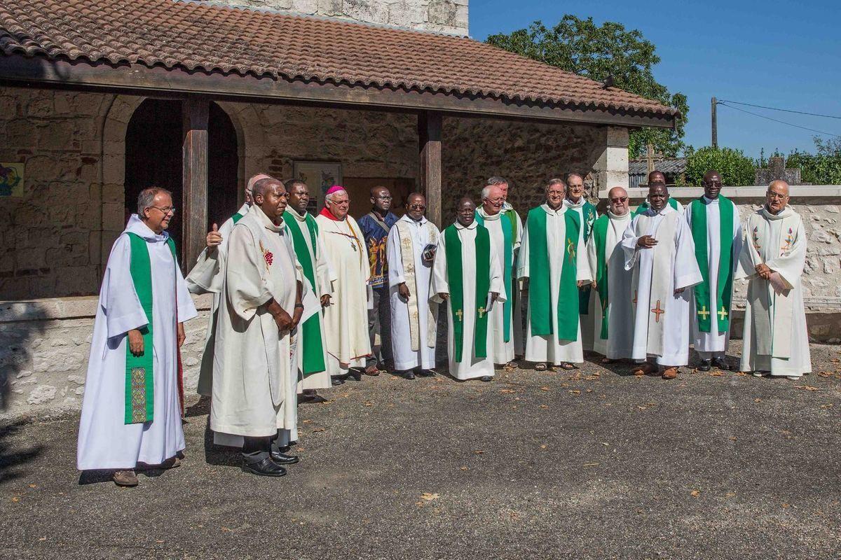 Accueil des prêtres venant d'ailleurs le 03 août 2016 à Roquefort