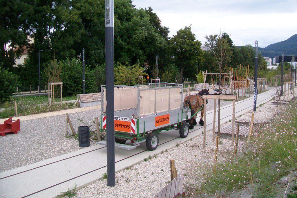 Le nouveau parc Flaubert a pu bénéficié dès cet été de la collecte hippomobile.