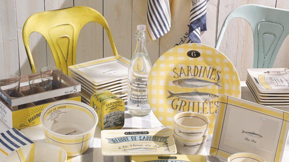 Bouteille Retail Store : 3,99 euros / Saladier Sardinerie : 11,99 euros / Plat Sardinerie : 12,99 euros