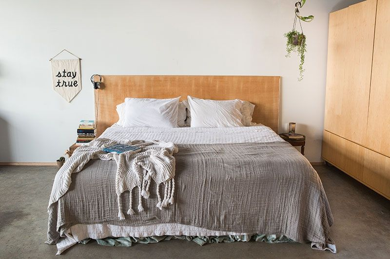 Bannière Stay True: Secret Holiday Co, Couvertures: West Elm