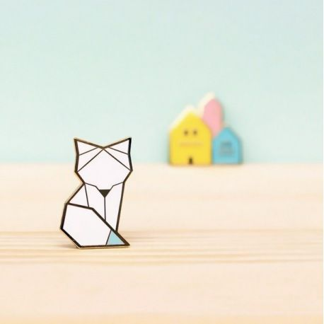Broche - Snow Fox - Hug a Porcupine - Bird on The Wire - 22 euros