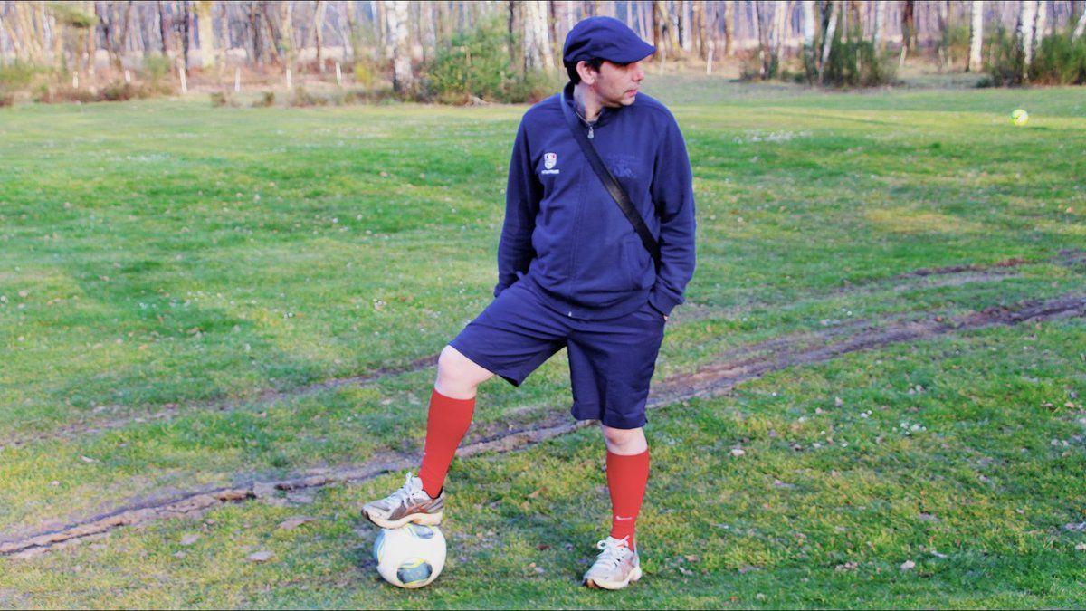 Ludovic qui a adopté rapidement la tenue du footgolfeur
