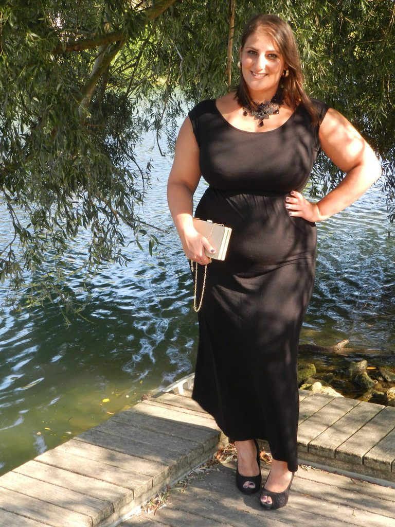 Black Maxi Dress pour douces soirées d'été / French Curves Challenge
