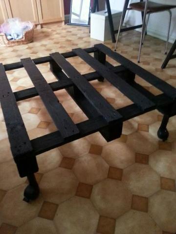 Table basse faite avec une palette r cup r e dans la rue - Creer une table basse avec des palettes ...