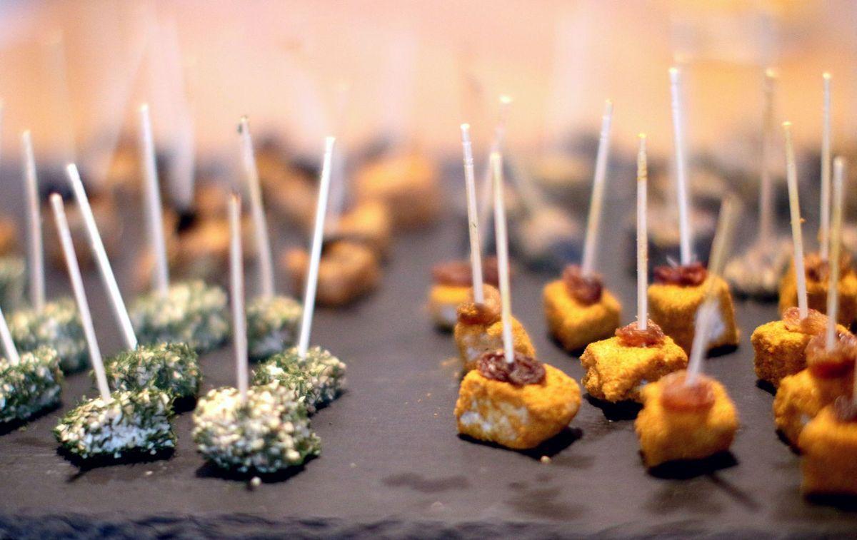 Faux-mages apéritif aux épices (facile, cru & vegan)