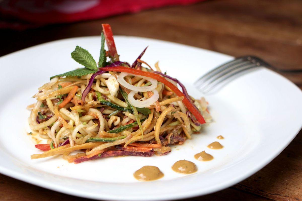 Pad thaï tout cru (vegan &amp&#x3B; sans gluten)