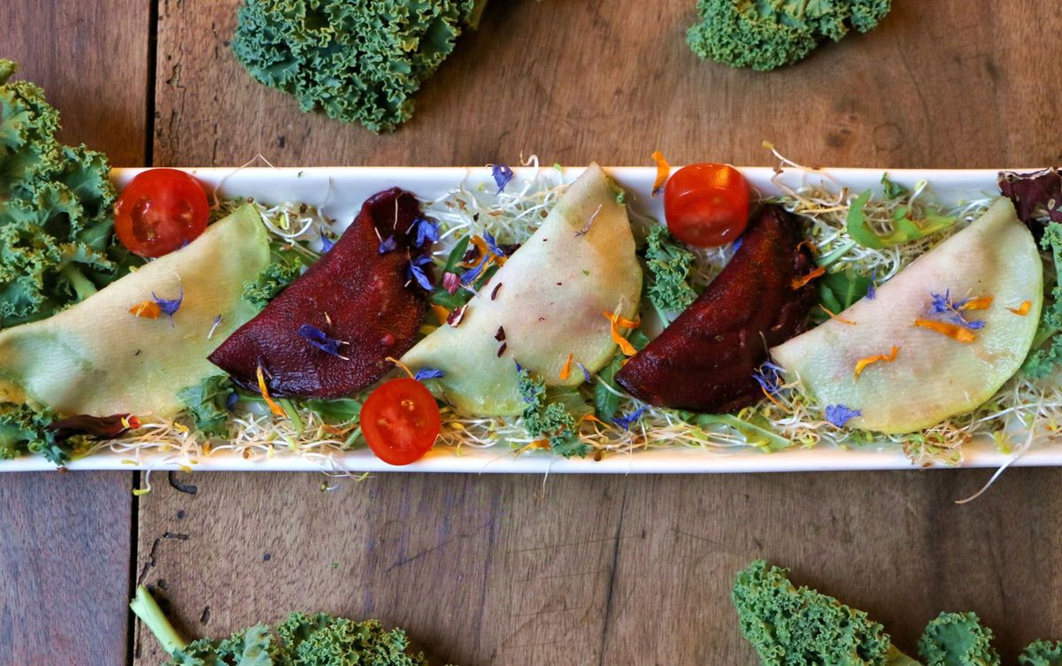 Ravioles de légumes au pesto de kale (cru, vegan & sans gluten)