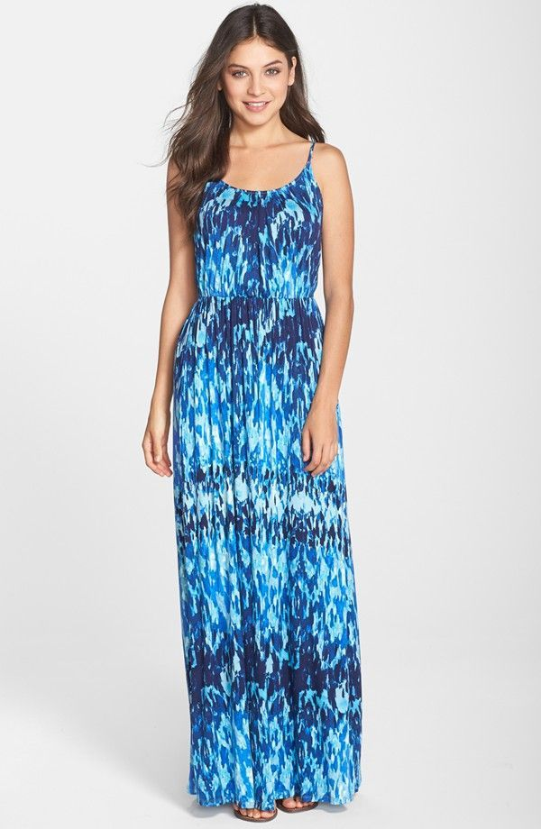 9 Sizzling Maxi Dresses for Summer Party