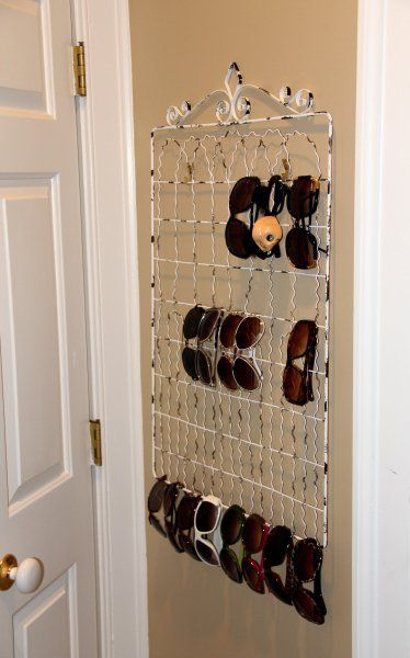 10 Solutions to Organize Your Sunglasses