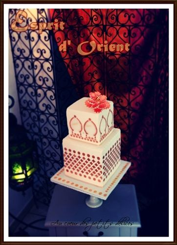 Wedding cake Oriental blanc et or
