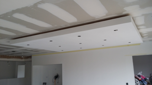 Plafond salle manger construction maison rt2012 de for Plafond a caisson suspendu