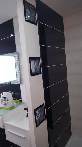 finitions salle de bain construction maison rt2012 de nancy et fred. Black Bedroom Furniture Sets. Home Design Ideas