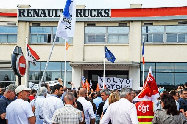 Renault Trucks : 1000  manifestants  contre les suppressions d'emploi