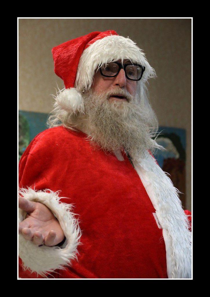 Le Père Noël était très satisfait des grands enfants du club photo de Courteille ! Merci Papa Noël !