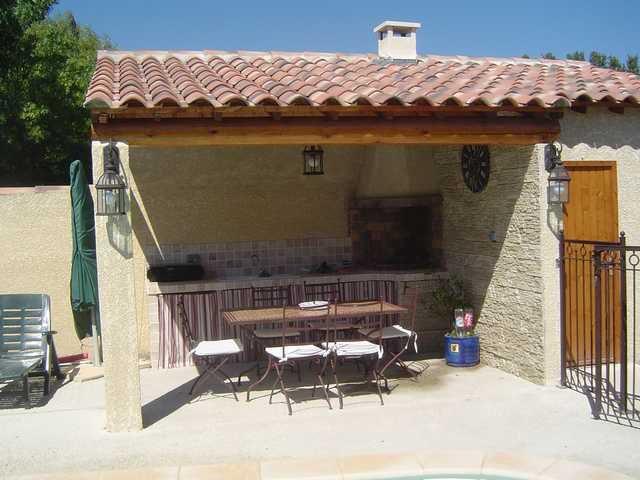 Notre piscine ma maison au pied des alpilles for Journee piscine