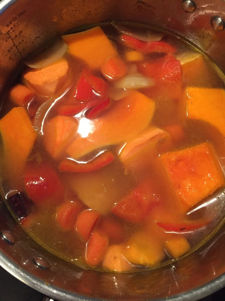 soupe butternut carottes et poivrons ma petite cuisine. Black Bedroom Furniture Sets. Home Design Ideas