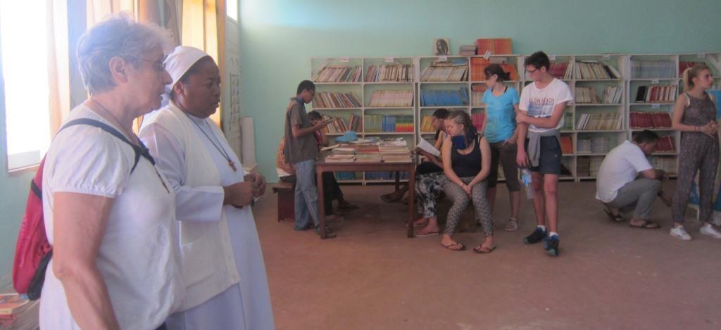 Le regard de Sr Martine sur la journée de lundi 18 Juillet ! Joie de voir la motivation des volontaires ... Choc et questionnements au cours de la visite ...